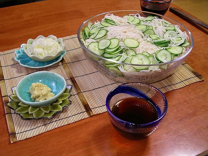 夏の冷や素麺